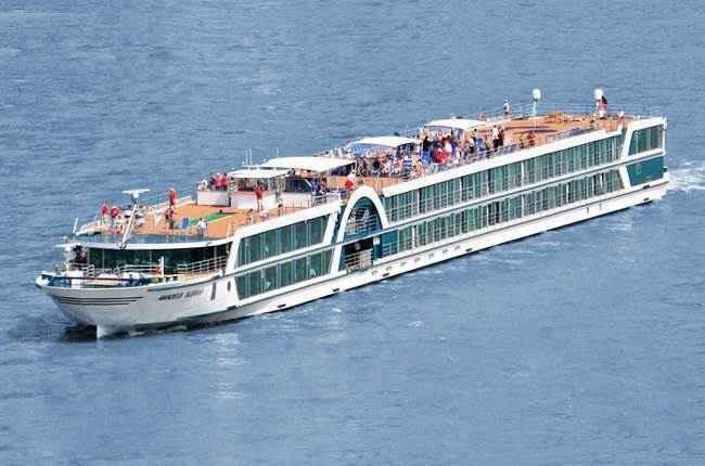 bateau m/s amadeus brilliant
