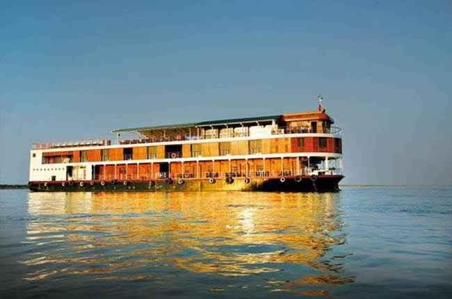 bateau r v paukan birmanie